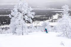 Ski fahren über dem nördlichen Polarkreise Stockfoto