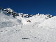 Ski fahren in den Schweizer Alpen Lizenzfreie Stockfotografie