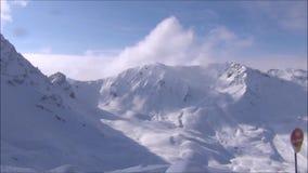 Ski fahren in 3 Tälern Französische Alpen stock footage