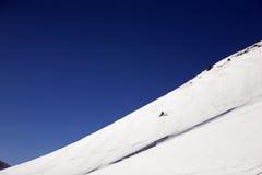 Ski freeride in den hohen Bergen stockfoto