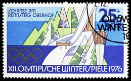 Ski Jumping Hill en Rennsteig, Oberhof, olimpiadas de invierno 1976, serie de Innsbruck, circa 1975 fotografía de archivo