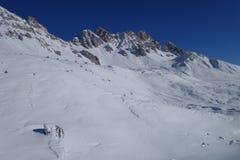 Ski-lift di area dello sci dell'Italia delle alpi di Dolomti Fotografia Stock