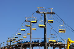 Ski-lift e roller coaster Fotografia de Stock Royalty Free