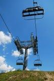 Ski Lift sur Monte Zoncolan en été Images stock