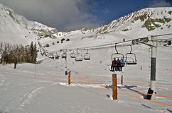 Ski Lift tot Bergbovenkant Royalty-vrije Stock Afbeeldingen