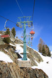 Ski lifts and ski slope Royalty Free Stock Photos