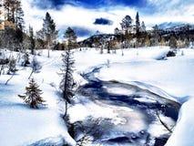 Ski Path através dos campos, Telemark, Noruega fotografia de stock