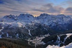 Ski Resort av Madonna di Campiglio, italienska fjällängar, Italien Arkivfoton