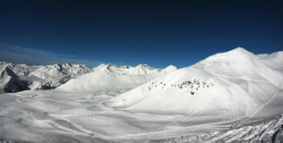 Ski Resort Panoramic-Ansicht Lizenzfreie Stockfotos