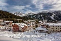 Ski Resort van Madonna di Campiglio, Mening van de Helling stock afbeeldingen