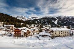 Ski Resort von Madonna di Campiglio, Ansicht von der Steigung Lizenzfreie Stockbilder