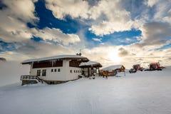 Ski Restaurant i Madonna di Campiglio Ski Resort, italienska fjällängar Fotografering för Bildbyråer