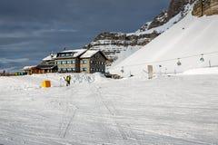 Ski Restaurant in Madonna di Campiglio Ski Resort, italienische Alpen Stockbilder