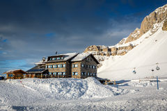 Ski Restaurant in Madonna di Campiglio Ski Resort, italienische Alpen Stockfotos