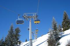 Ski-Sessellifte Lizenzfreie Stockfotos