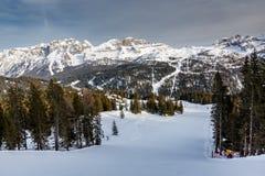 Ski Slope nahe Madonna di Campiglio Ski Resort, italienische Alpen Lizenzfreie Stockfotografie