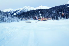 Ski Slope nahe Madonna di Campiglio Ski Resort morgens Stockbilder