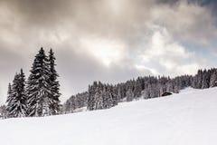 Ski Slope in salita vicino a Megeve in alpi francesi Fotografia Stock