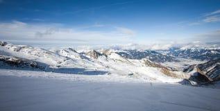Free Ski Slopes In Kaprun Resort Stock Images - 32237504