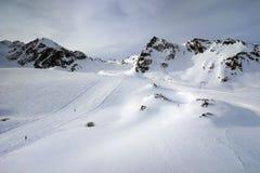 Pitztal, Otztaler Alpen, Tirol, Austria. Ski slopes on Pitztal glacier under Vorderer Brunnenkogel & Mittagskogel peaks - Austria Royalty Free Stock Images