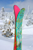 Ski and snow mountain Royalty Free Stock Photography