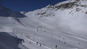 Ski-station de vacances alpine Zugspitzplatt banque de vidéos