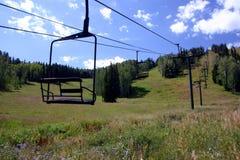 Ski-Stuhl-Aufzug Stockbild