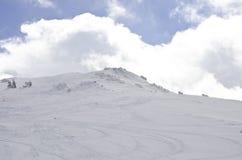 Ski- und Snowboardsteigung Stockbild