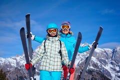 Ski, Winter, Sonne und Spaß Stockfotografie