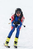Skialpinisme: de ritten die van de skibergbeklimmer van berg ski?en Stock Foto