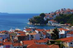 Skiathos端口和城市,希腊 免版税库存图片