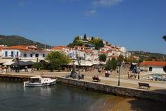 Skiathos-Stadt auf Skiathos-Insel, Griechenland Lizenzfreies Stockbild