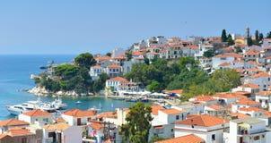 Skiathos-Stadt Griechenland lizenzfreie stockfotos