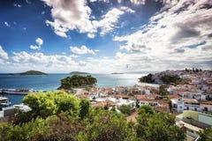 Skiathos-Stadt in Griechenland lizenzfreie stockfotos