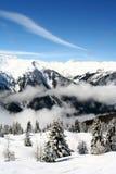 Skiaufzug in den Bergen lizenzfreie stockfotos