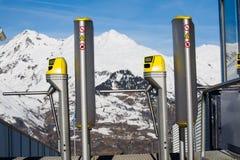 Skiaufzug in den Bergen stockfoto