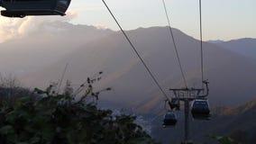 Skiaufzugfahrerhäuser stock video