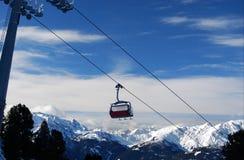 Skiaufzugrücksortierung Österreich zillertal Stockbilder
