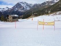 Skibahnen in den Alpen Lizenzfreies Stockfoto