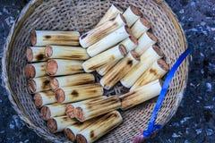 Skicky ris i bambu Arkivfoto