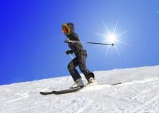 skidåkningkvinnabarn Royaltyfri Fotografi