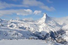 Skida i Zermatt fjällängar arkivfoto
