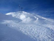 Skida lutningen i Alps Arkivfoto