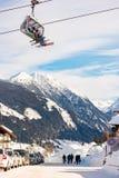 Skidar chairliften över Hochwurzen I i Planai & Hochwurzen - skida hjärta av den Schladming-Dachstein regionen, Styria, Österrike royaltyfri bild