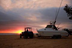 Skidar fartyget som är klart för lansering i den Sodwana fjärden Royaltyfria Bilder
