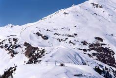 Skidar pisten i Mayrhofen Fotografering för Bildbyråer