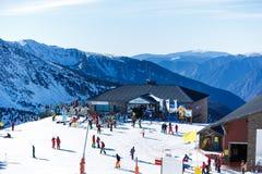 Skidar semesterorten i Andorra Arkivfoton
