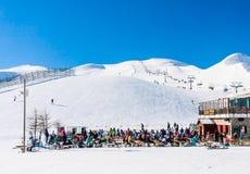 Skidar semesterorten Livigno italy Fotografering för Bildbyråer