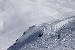 Skier on off-piste slope Royalty Free Stock Photos