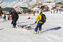 Skieur blessé Photographie stock libre de droits
